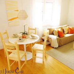 Jídelní a obývací část