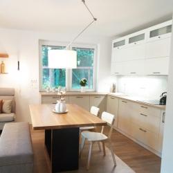 Nová kuchyně a obývací pokoj do RD v Bašce | Po
